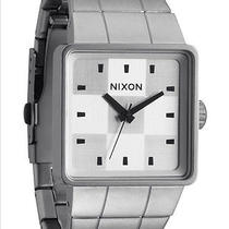 New Mens Nixon the Quatro Watch Photo