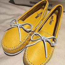 New Minnetonka Moccasin Yellow Leather  Shoes Size 6 Photo