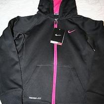 New Nike Therma-Fit Jacket for Girls Photo