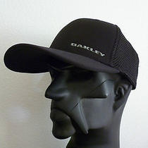 New Oakley Silicon Bark Trucker 3.0 Cap Golf Hat Black Flexfit S/m (55-57 Cm) Photo