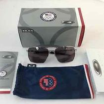 New Oakley Sunglasses Team Usa Deviation in Polished Chrome Grey - 160 Aviator Photo