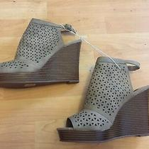 New Parker & Sky Tan Perforated Peep Toe Wedges Sz 10 Faux Leather Photo