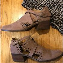New Qupid Sexy Cut- Out Ankle Boots Sz 8 Blush Natural Photo