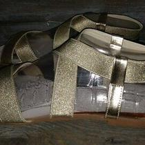 New Steve Madden Quintaa Gold Sandals Womens 8 Flats Excellent Style Msrp 59.99 Photo