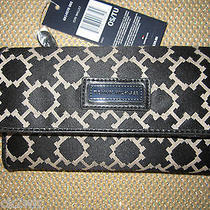 New Tommy Hilfiger Wallet Checkbook Id Black Cream 39 Retail Rectangle Logo Photo