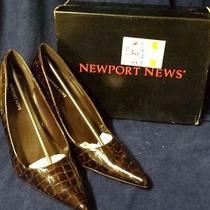 Newport News Ladies Size 11 Brown Croc Skin Patent Leather 4