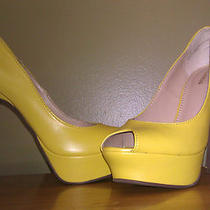 Nib Express 88 Yellow Peep-Toe Platform Pumps Size 7 Hard to Find Gorgeous Photo