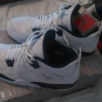 Nike Air Jordan Retro 4 Photo