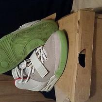 Nike Air Yeezy 2 Pure Platinums Photo