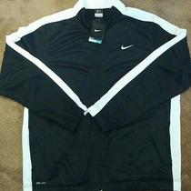 Nike Clothes for Men  Photo