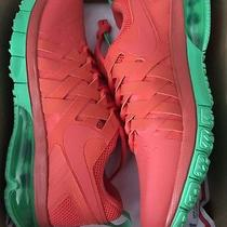 Nike Fingertrap Photo