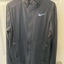 Nike Men's Element Shield Full-Zip Running Jacket Photo