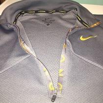 Nike Pullover Photo