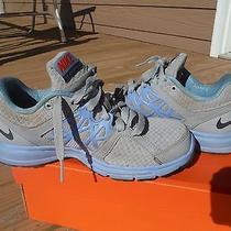 Nike Size 6.5 Women's Sneakers Photo