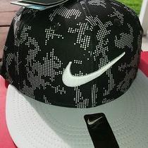 Nike Swoosh Flex Fitted Hat Flat Bill Dri-Fit Black Cap Stay Cool Osfm Photo