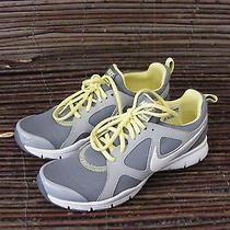 Nike Training Shoe Womens 7.5 Photo