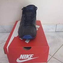 Nike Womans Shoes Photo