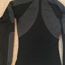 Nike Women 1/2half Zip Element Running Shirt Photo