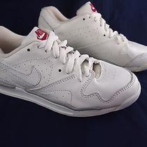 Nike Womens Shoes Running White Training Workout Leather Yoga Size 6 Photo