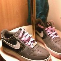 Nikes Photo