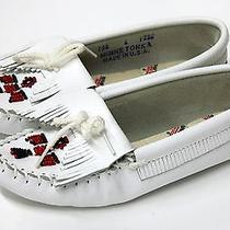 Nwob New Minnetonka 6 White Beaded Slip on Moccasin Shoes Leather Photo