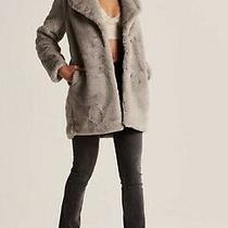 Nwt Abercrombie & Fitch Faux Fur Womens  Coat Size Xs Gray Photo