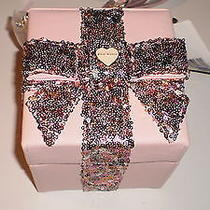 Nwt Betsey Johnson Gift Box Pink Blush Sequin Cross-Body Bag Sold Out - Cute Photo