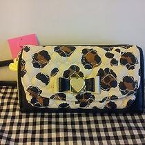 Nwt  Betsey Johnson  Wallet on a String Honey Buns Bifold Natural  Leopard  Photo