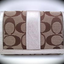 Nwt Coach 40199 Hampton Signature Compact Clutch Wallet Photo