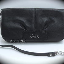 Nwt Coach 45981 Black Leather Large Flap Wristlet - Sv / Black Photo
