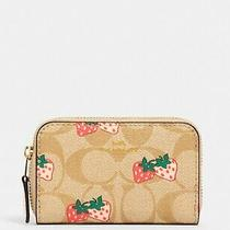 Nwt Coach 93678 Zip Around Coin Case in Signature Canvas With Strawberry Print Photo