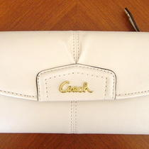 Nwt Coach Ashley Leather Checkbook Wallet Brass/white Photo