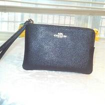 Nwt .coach  Black Leather Zip Wristlet in Crossgrain Leather Photo
