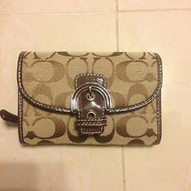 Nwt Coach Campbell Signature Buckle Medium Wallet Khaki/mahogany Photo