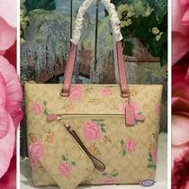 Nwt Coach Gallery Sig Rose Print Tote Bag  Wristlet in Lt. Khaki Pink Multi  Photo
