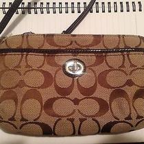 Nwt Coach Park Signature Khaki/mahogany Turnlock Wristlet F49175 Photo