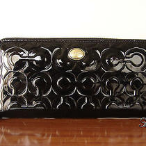 Nwt Coach Peyton Art Embossed Patent Accordion Wallet  Black/brass Photo