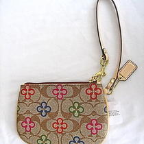 Nwt Coach Peyton Signature Clover Small Wristlet Gold/multi-Color Photo