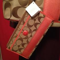 Nwt Coach Purse Wallet Wristlet Khaki/persimmon (Orange) Photo