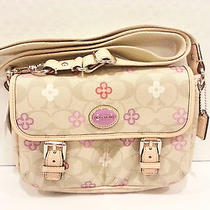 Nwt Coach Signature Small Light Khaki Peyton Clover Field Swingpack Bag F48828 Photo