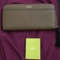 Nwt Fossil Brown Leather Tara Clutch Wallet Zip Around Photo