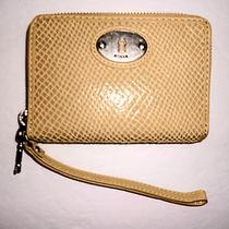 Nwt Fossil Yellow Perfect Multifunction Embossed Leather Zip Wristlet Wallet 55 Photo
