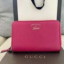 Nwt Gucci Womens Pink Calf Skin Leather Trademark Logo Swing Zip Around Wallet Photo