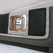 Nwt/guess Wallet Beautiful Photo