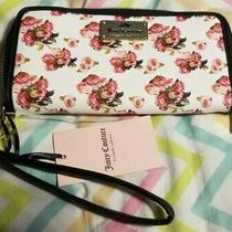 Nwt Juicy Couture White Rose Print Single Zip Large Wallet Ret 45. Photo