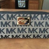 Nwt Michael Kors Mk Signature Pvc Zip Around Wristlet Wallet Brown Iphone 5s 5c Photo