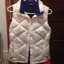 Nwt  North Face Womens Size Xs White/bolt Blue Aconcagua 550 Quilted Down Vest Photo