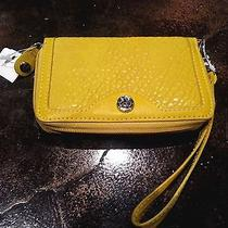 Nwt  Relic (By Fossil) Yellow Wrist-Let Wallet  Beautiful  Excellent Gift  Photo