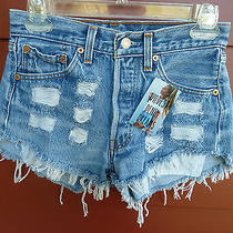 Nwt  Womens Wildest Denim Dreams Cut Off  Distressed Levi Denim Shorts Sz 26 Photo