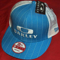 Oakley 91826-67r Blue Pinstripe Trucker Hat New Era 9fifty Snapback Photo